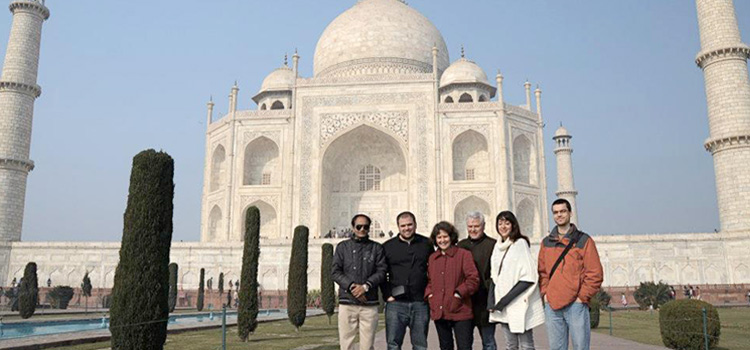 Government Approved tourist guide in Agra
